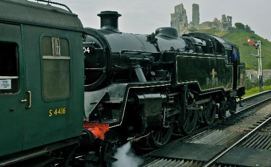 Swanage Railway: leaving corfe staion