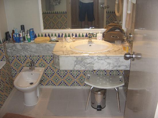 vieze geur in de badkamer  brigee, Meubels Ideeën