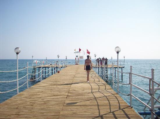 Euphoria Palm Beach Resort: Jetty
