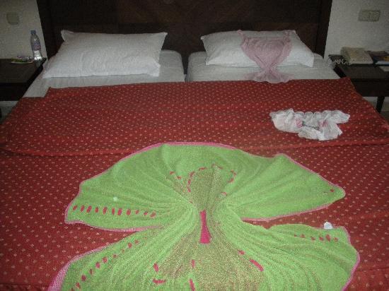 Yadis Djerba Golf Thalasso & Spa : Joli décor de chambre