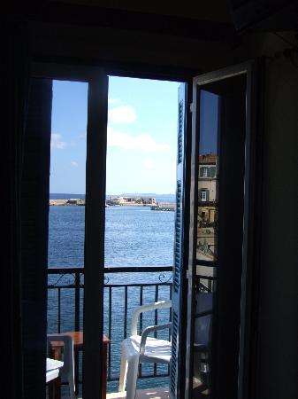 Loukia Hotel: Balcony