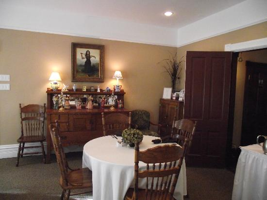 Eastholme in the Rockies: Charming breakfast room
