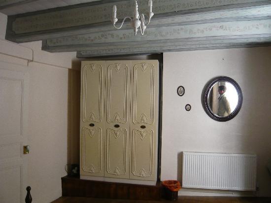 Saint-Antonin Noble Val, France: la déco cosy de la chambre