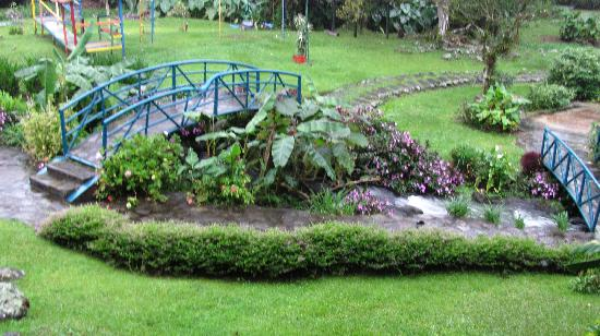 Hotel Dos Rios: the garden