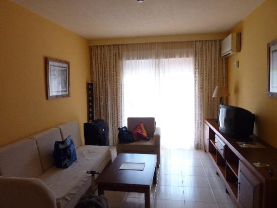 Aparthotel las Dunas: Wohnzimmer