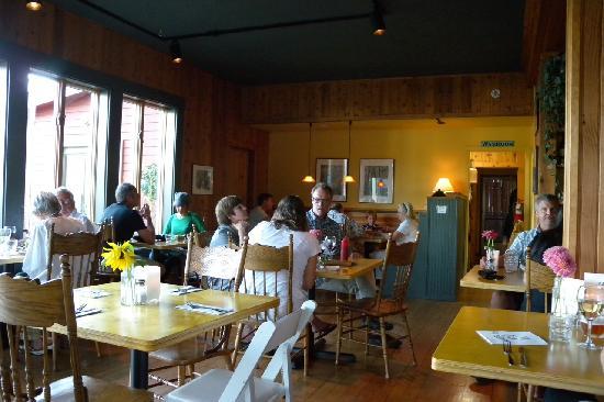 West Sound Store & Cafe: Interior of restaurant