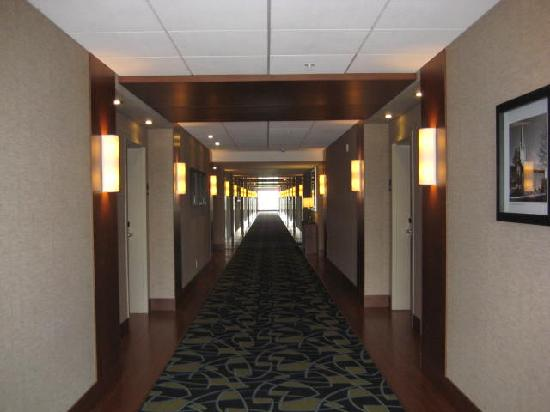 Holiday Inn Express & Suites Saint-Hyacinthe: Hallway