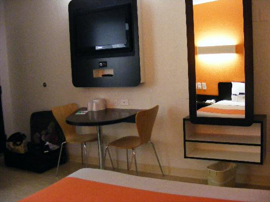Motel 6 Dallas - Ft Worth Airport North: Single Room 2- Flat Screen