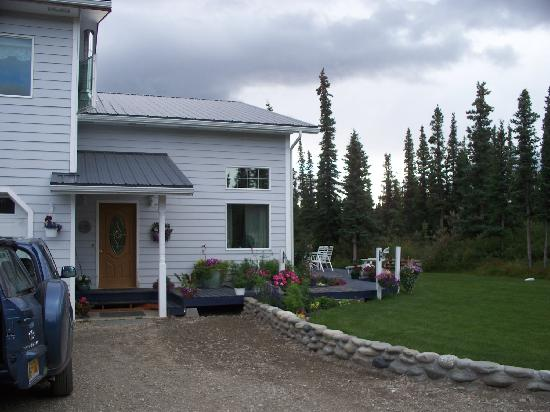 Denali Primrose Bed & Breakfast: From the front!