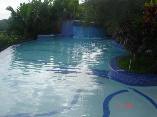 Hotel Eco Inn: piscina del hotel
