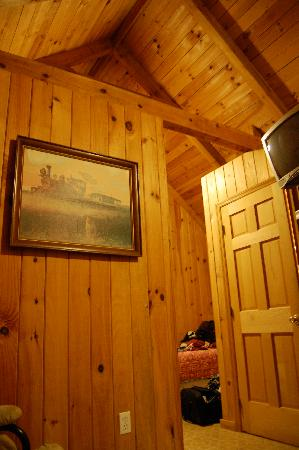 Lost Creek Cabins : a view of the inside of the cabin