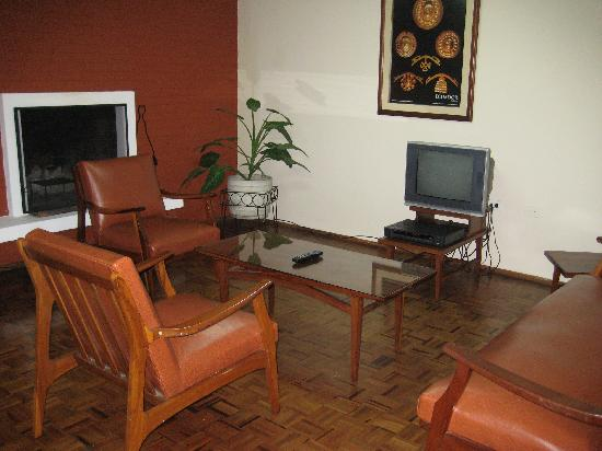 Embassy Hotel: living area