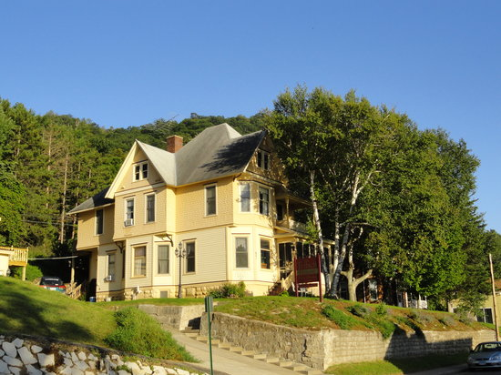 The Tritsch House: The Tritsche House, a Victorian B&B