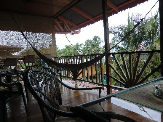 Hotel Lula's Bed and Breakfast: 2nd floor veranda