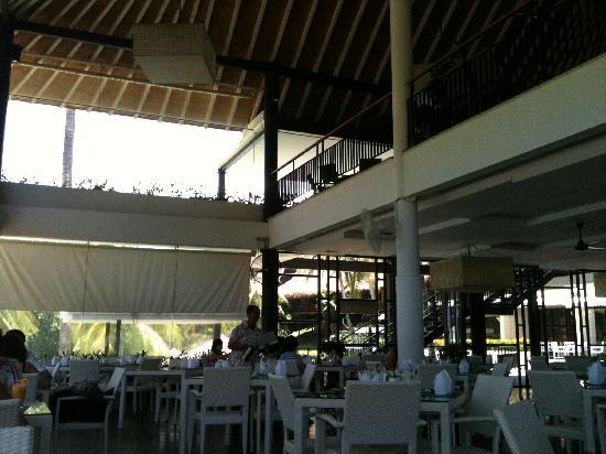 Turi Beach Resort: Breakfast hall