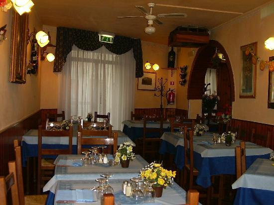 Albergo Vittoria: ristorante borgo antico