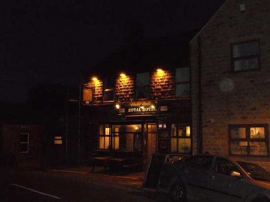Royal Hotel: a warm light in the dark!