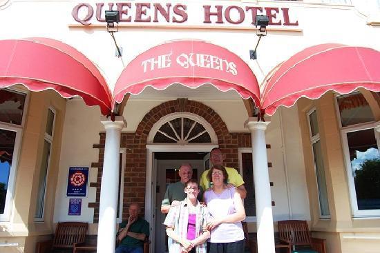 The Queens Hotel: sunny skegvegas