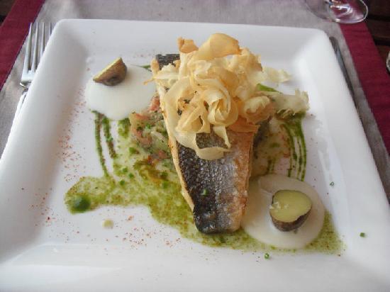 Restaurante Los Roques: Sea Bass