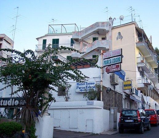 Hotel Terme Parco Edera: Accesso da via Morgione