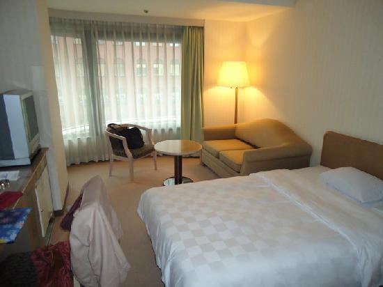 โรงแรมคาราสุม่า เกียวโต: Zimmer