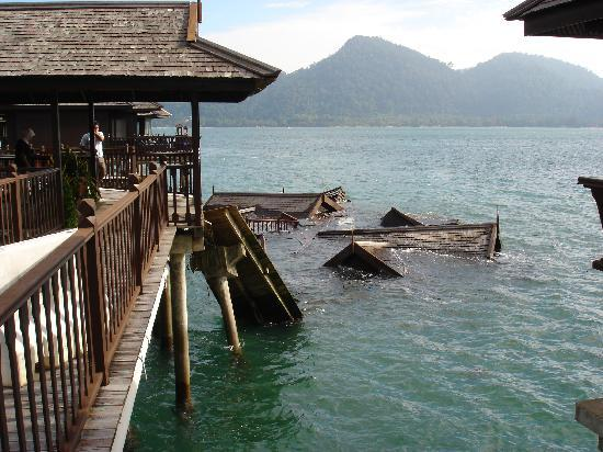 Pangkor Laut Resort: Collapsed Sea Villas