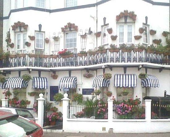 Blenheim Hotel : gorgeous building