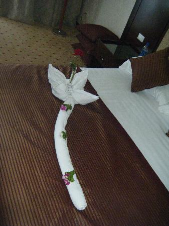 Premier Le Reve Hotel & Spa (Adults Only): Towel art