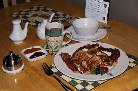 627 on King Bed and Breakfast: Day 3 - French toast