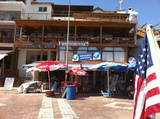 Datca, Turkije: A view of the restaurant from the back of our boat.
