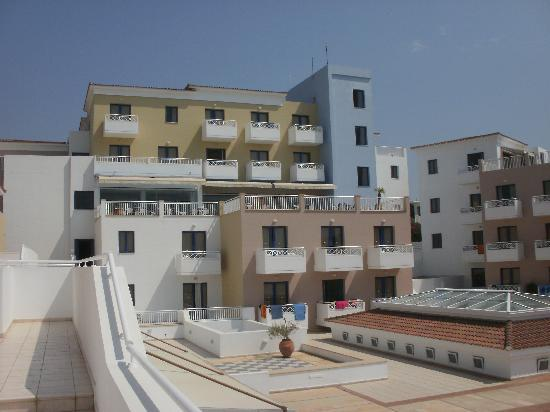 Chlorakas, Cypr: Rear of hotel