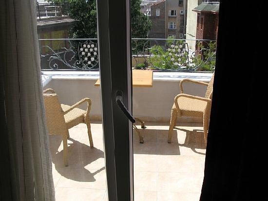 Hotel Amira Istanbul: Blick auf den Balkon