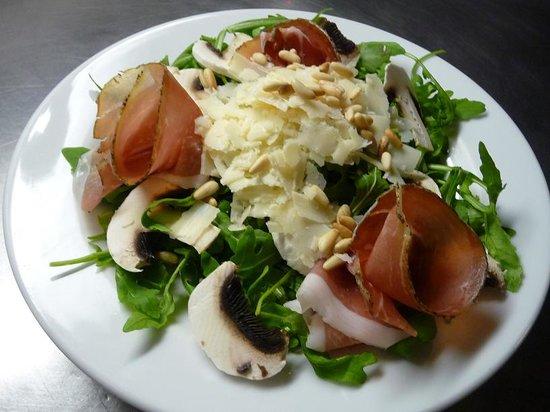 Coquinarius: Etruscan salad