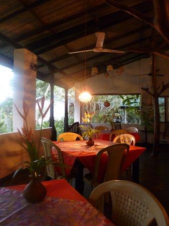 Villa Birdlake: ready for dinner