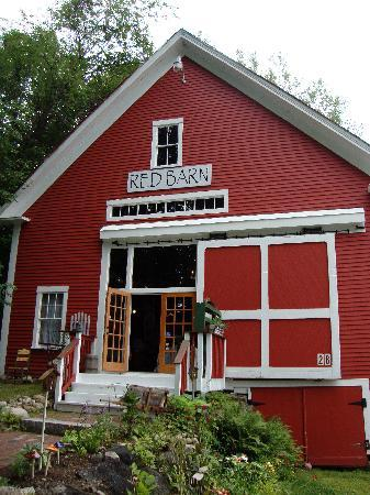 Squam Lake Inn: The Red Barn