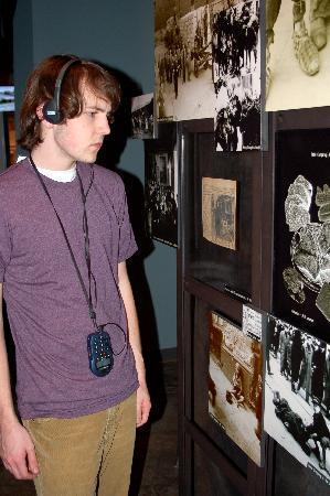 Dallas Holocaust Museum: Museum visitors tour at their leisure