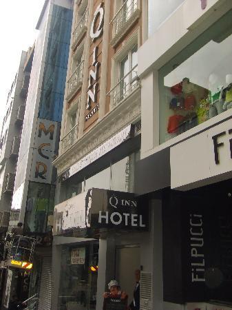 The Q-Inn Hotel Istanbul: fachada