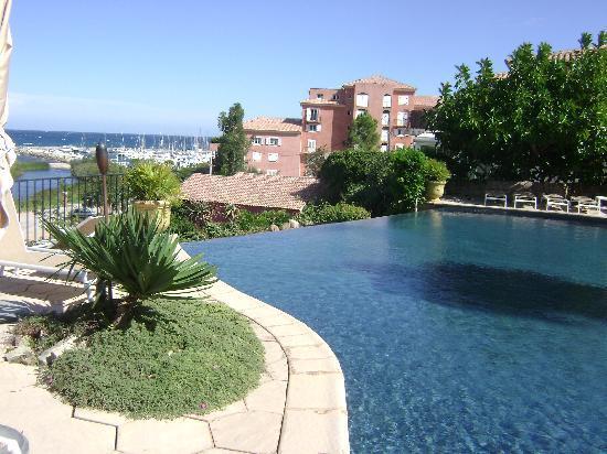 Sari-Solenzara, France: piscine