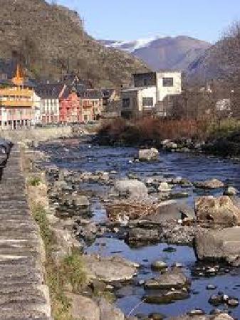 Bossost, İspanya: El rio Garona
