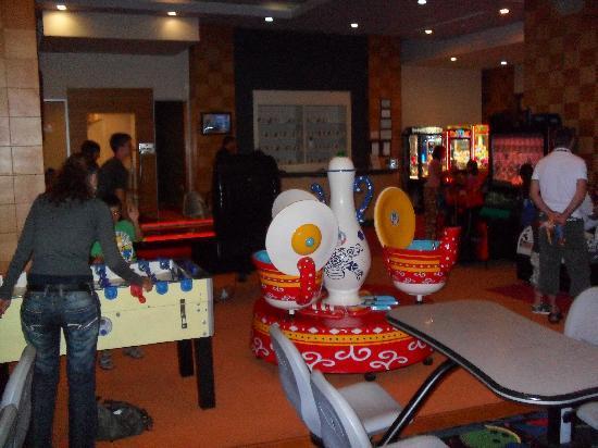 Voyage Belek Golf & Spa: Games Room
