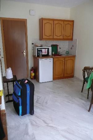 Boulevard Aetos Suites - Kefalonia: Room - Kitchen area
