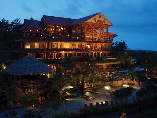 The Springs Resort and Spa: Reception Building at Twilight