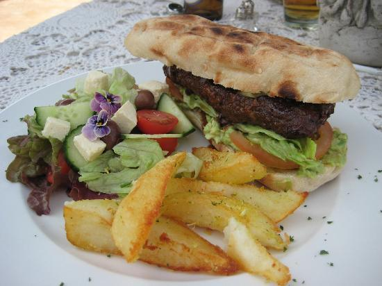 Nieuwoudtville, Sydafrika: Lamb burger on rooster brood