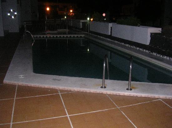 Club Europa Apartments : pool