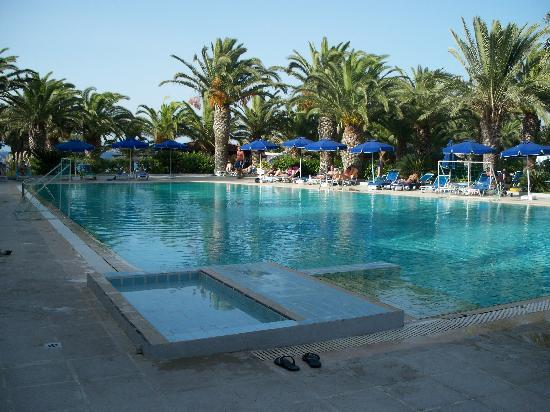 Blue Horizon Hotel : piscine