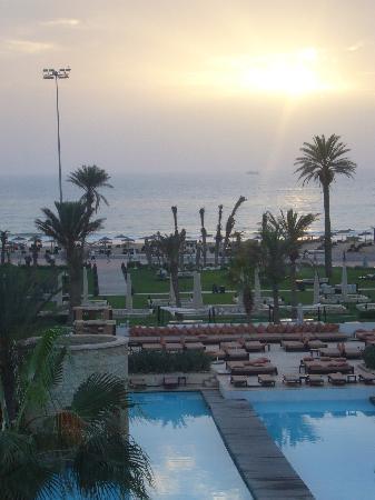Sofitel Agadir Royal Bay Resort: Pool-Landschaft am Abden
