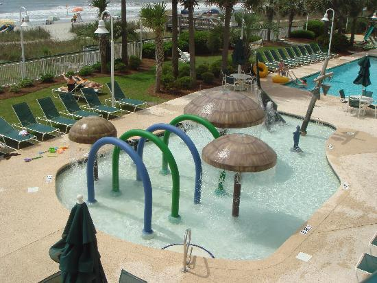Hampton Inn & Suites Myrtle Beach/Oceanfront: nice childrens pool area