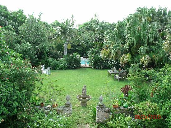 Warwick Parish, Bermuda: A view of the garden