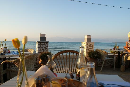 Roda, Grecia: Terrasse