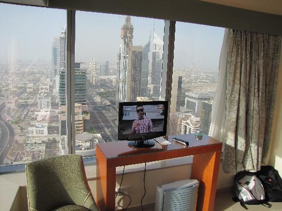 Al Salam Hotel Suites: Master bedroom, room 4601